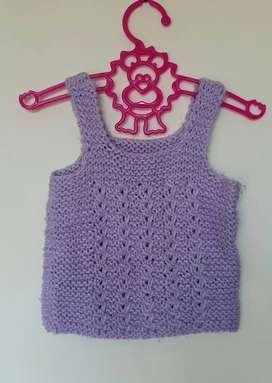 Chaleco lana tejido a mano violeta beba nena