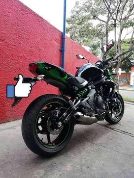 Se vende moto Kawasaki Er 6N