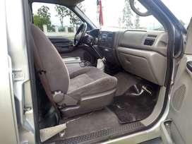 Venta de Ford F100 doble cabina 4x2