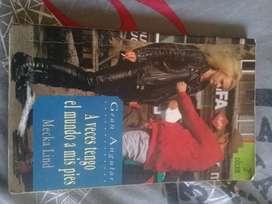 """Libro """"A veces tengo el mundo a mis pies"""" por Mecka Lind, de Gran Angular 2da edición"""