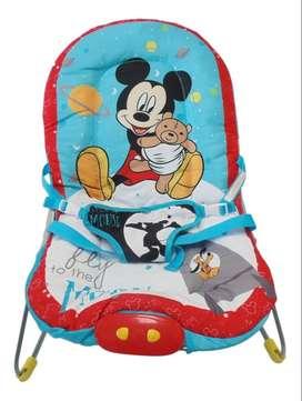 Silla Vibradora Musical Mickey Mouse para bebé