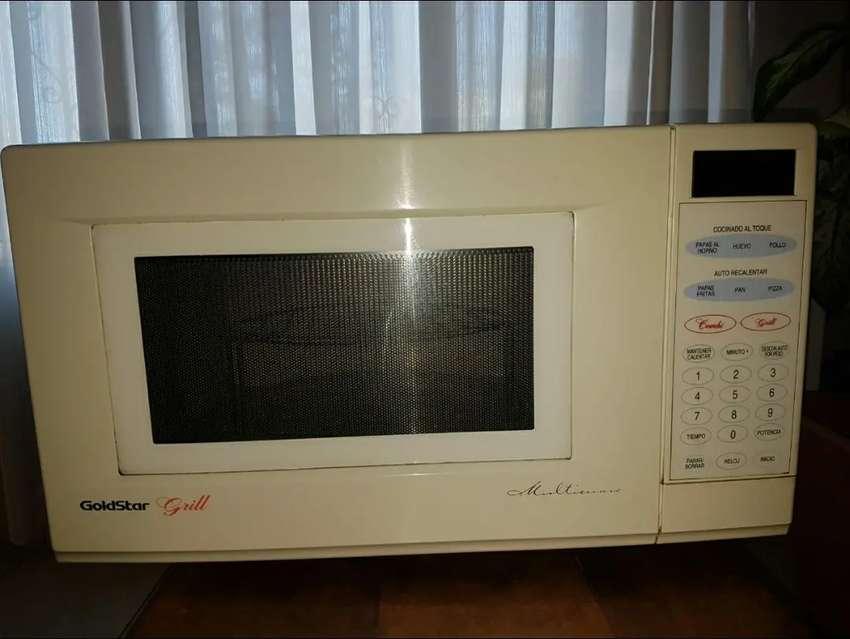Horno Microondas Goldstart  digital c/ grill - 28 lts 0