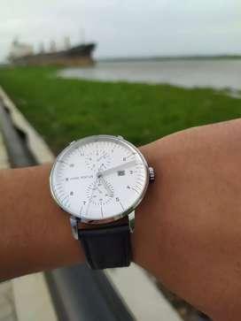 Reloj minifocus