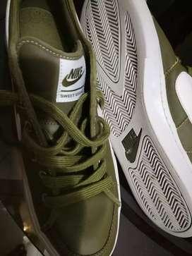 Nike LEVIS