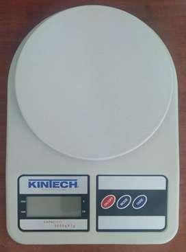 Balanza digital Kintech. 5 Kg. Nueva.