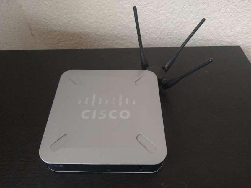 Router De Seguridad Gigabit Cisco WRVS4400N V2 0