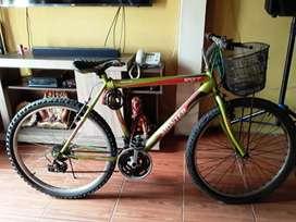 Se vende bicicleta montañera