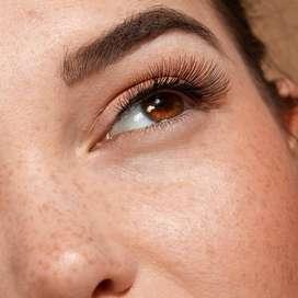se nesesita manicurista lashista experta en diseño de cejas y uñas acrilicas limpiezas faciales