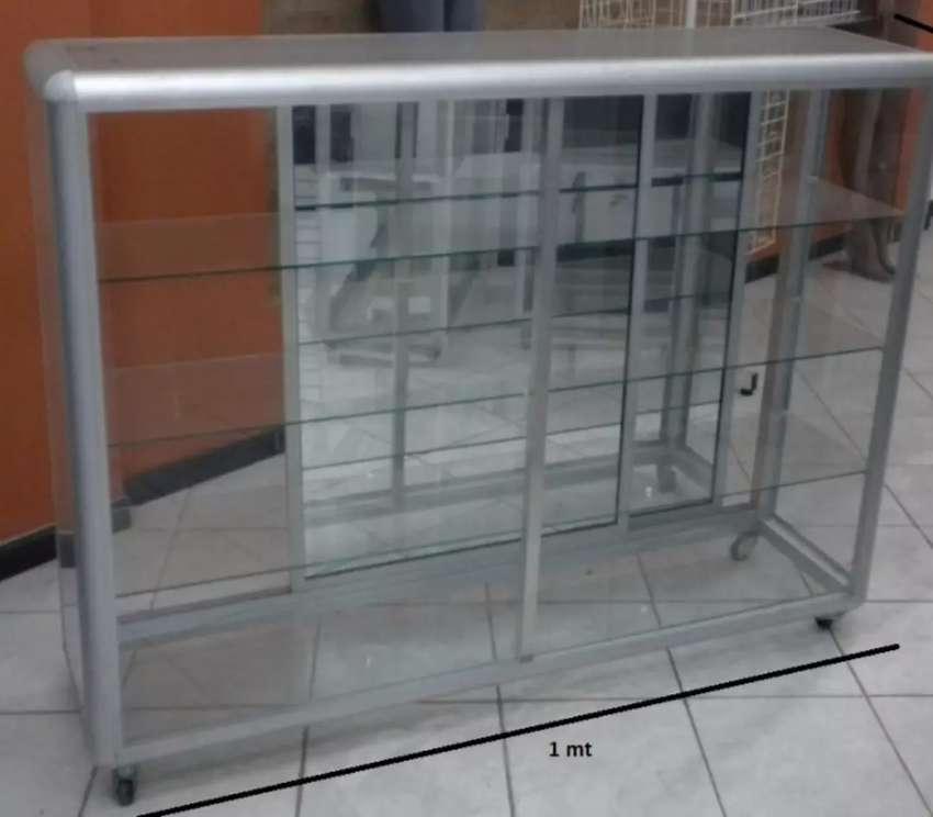 Vitrina en aluminio 0