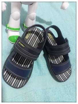 Vendo sandalia para niño Marca RIDER