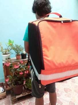 Mensajería y domicilios, maletas térmicas