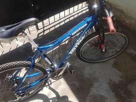 Bicicleta R26 con amortiguacion
