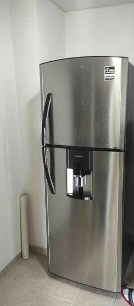 Nevera MABE No Frost 420 Litros RMP420FYCU Inox