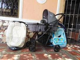 Vendo coche, caminador y cambiador para bebe