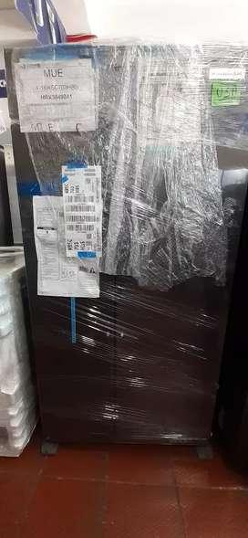 Nevecon kitchenaid 640 lts negro
