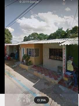 Vendó Casa Dividida en Dos Apartamentos