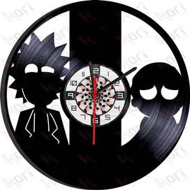Reloj en vinilo LP / Vinyl clock Rick and Morty