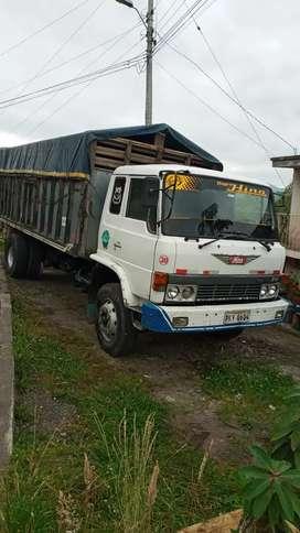 Se vende camion en muy buen estado precio negosiable