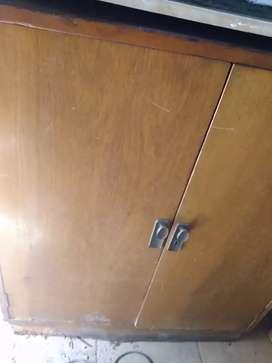 Mueble antiguo alto de cedro