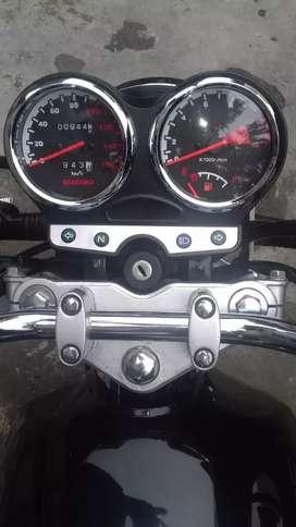 Vendo de oportunidad moto 1500 lo último. Estado poco uso.