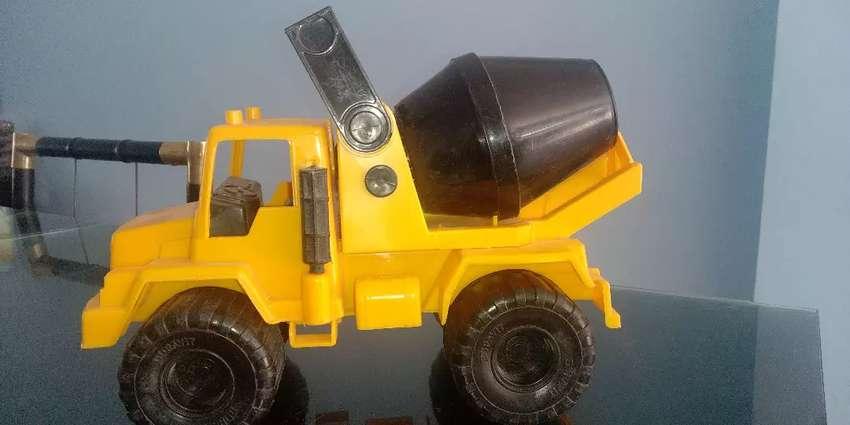 Camión de juguete 0