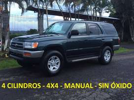 TOYOTA 4RUNNER MANUAL!! 4 CILINDROS!! 4X4!! RECIBO CARRO DE MENOR VALOR