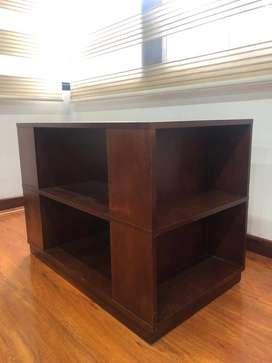 Mesa en madera para televisión