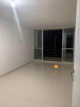 Se arrienda apartamento de 3 habitaciones, 2 baños con calentador, cocina integral, sala comedor, balcon y cuarto de rop