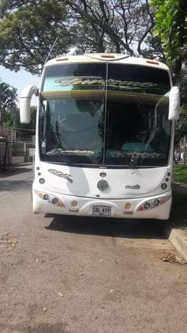 Se alquilan buses dentro y fuera de la ciudad