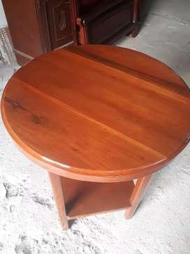 Mesa redonda para bar.