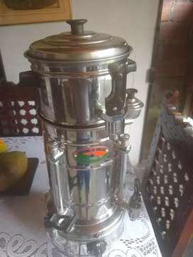 Vendo cafetera mediana(greca)poco uso $200.000