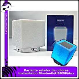 PARLANTE VELADOR RECARGABLE CON LUZ MULTICOLOR BLUETOOTH/MP3/USB/FM