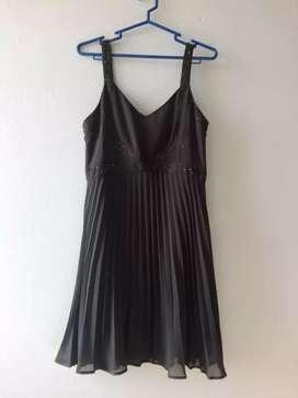 Hermoso vestido de gasa forrado importado