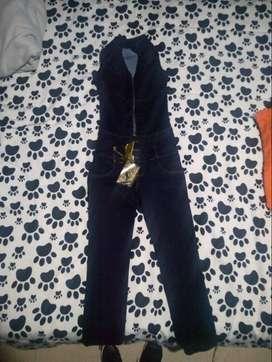 Enterizo de jean talla 6 NUEVO