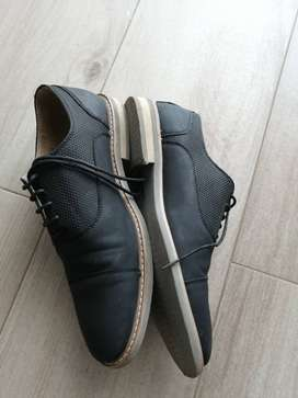 Kenneth Cole Joss Oxford en caja
