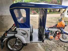 Vendo mototaxi color azul