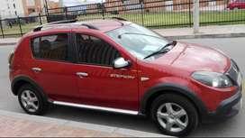 VENDO AUTOMOVIL Renault Stepway, modelo 2014, Rojo, excelente estado