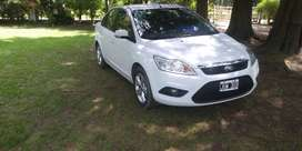 Ford focus vendo o permuto por  auto de menor valor