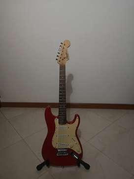 Fender squier mini color rojo