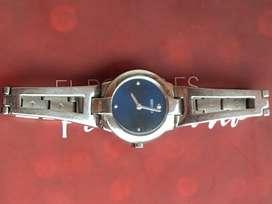 Fino reloj Seiko original garantizado de mujer como nuevo