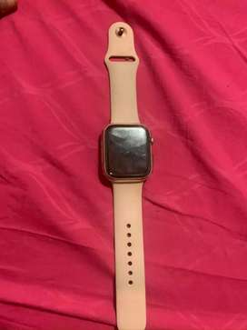 Apple Watch Serie 4 (44mm) + 7 correas