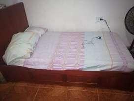 Se vende cama SIN COLCHÓN