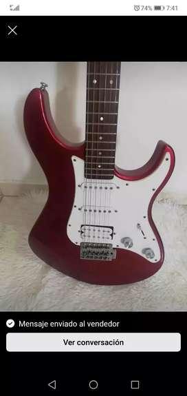 Guitarra Yamaha pasifica 012