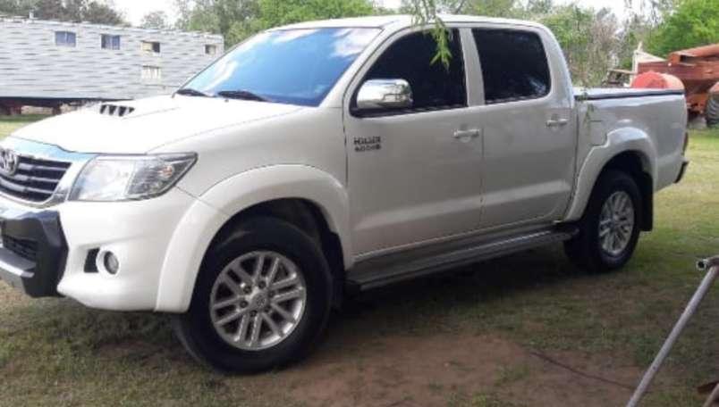 Vendo urgente Toyota Hilux