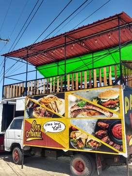 Vendo food trucks completo