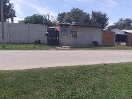Casa en Moreno barrio Pfizer bien ubicado con negocio amplio