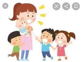 Niñera cuidado de niños