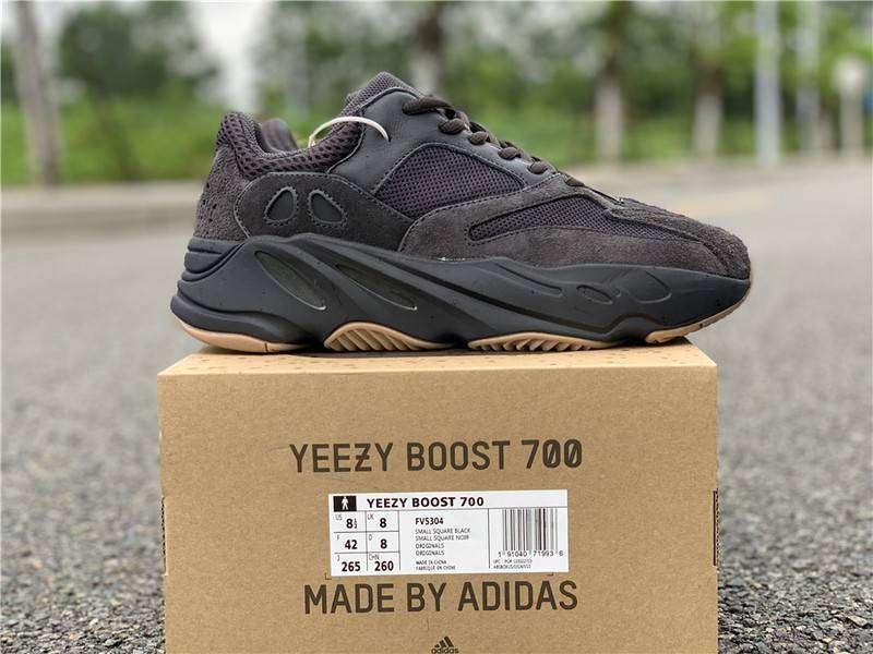 Adidas Yeezy 700 Utility Black 9.5 US / 42 liquido 0