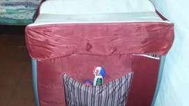 Vendo práctica nueva con colchón incluido también nuevo a $3000