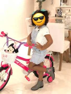 Bicicleta de niña poco uso